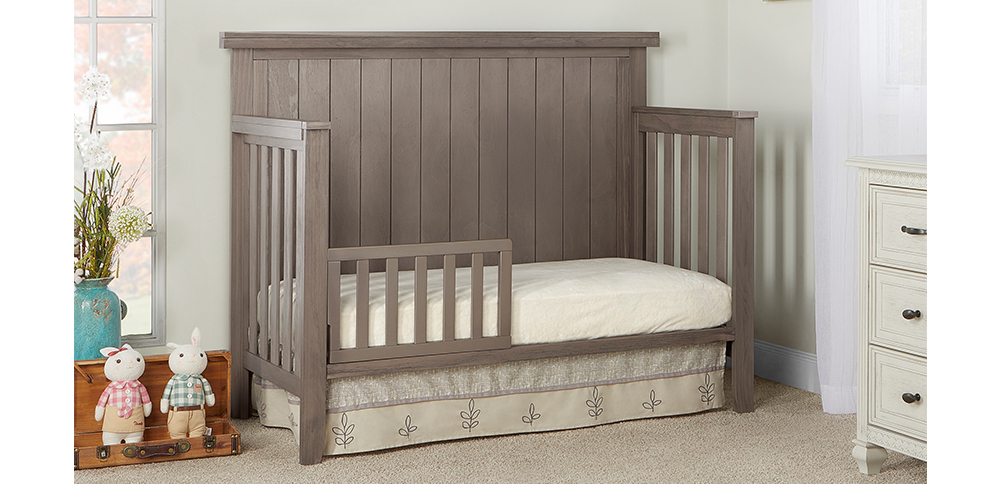 772-OAKGY Maple Toddler Bed Room Shot