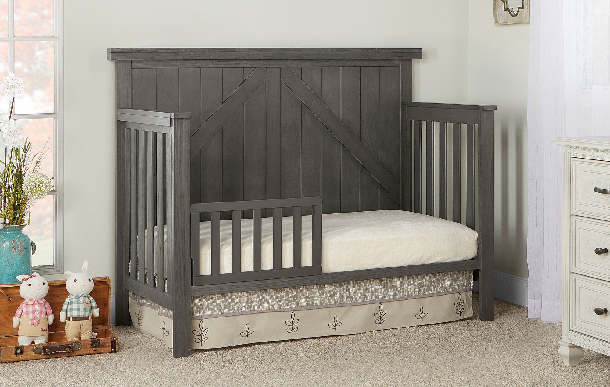 771-WGREY Olive Toddler Bed Room Shot